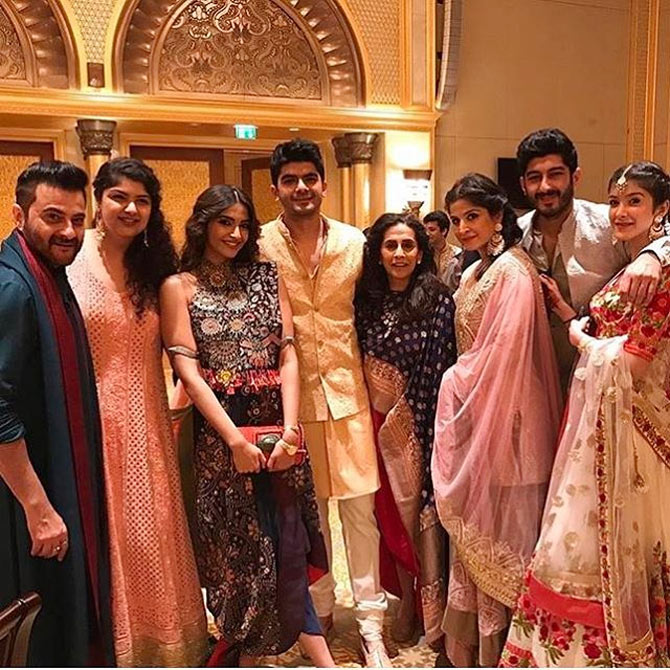 Image result for kapoor sisters at cousins wedding