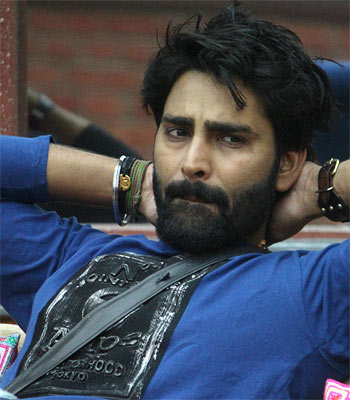 Current Bollywood News & Movies - Indian Movie Reviews, Hindi Music & Gossip - Bigg Boss 10: Manveer is season's first finalist!