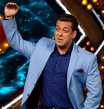Current Bollywood News & Movies - Indian Movie Reviews, Hindi Music & Gossip - Bigg Boss 10: Salman favours Lopa over Bani