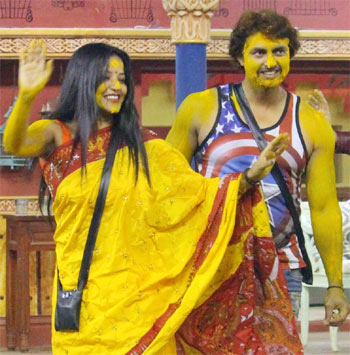 Current Bollywood News & Movies - Indian Movie Reviews, Hindi Music & Gossip - PIX: Mona-Vikrant's haldi ceremony on Bigg Boss