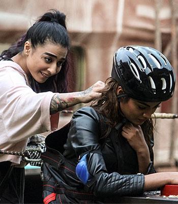 Current Bollywood News & Movies - Indian Movie Reviews, Hindi Music & Gossip - Bigg Boss 10: Bani vs Lopa again!