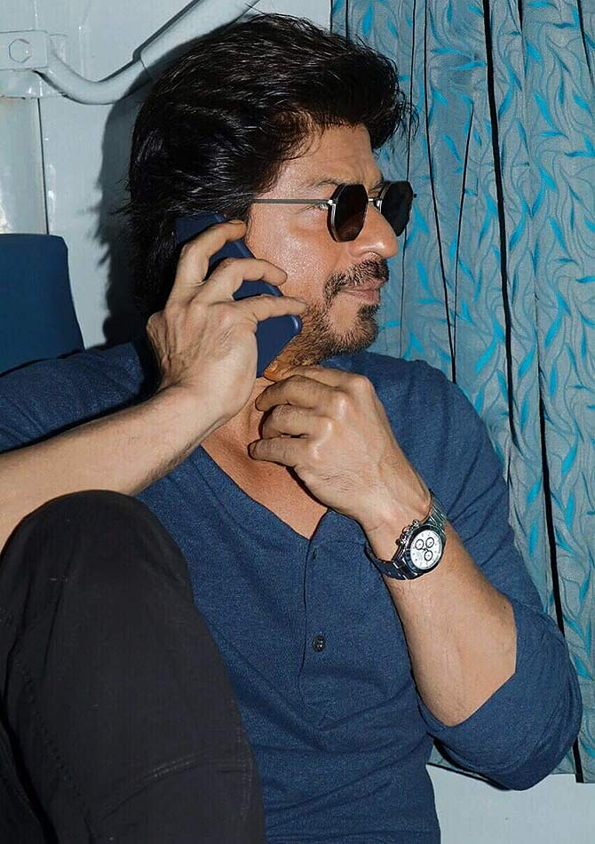 4fb38c6dec5 Was it really necessary for Shah Rukh Khan to take a train trip ...