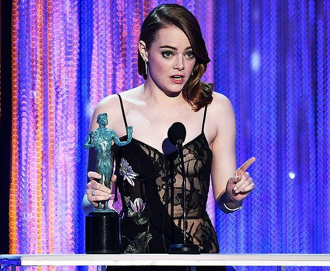 SAG Awards: Emma Stone, Denzel Washington win