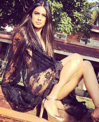 Current Bollywood News & Movies - Indian Movie Reviews, Hindi Music & Gossip - Nia Sharma: 'I am a rebel'