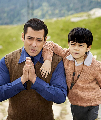 Current Bollywood News & Movies - Indian Movie Reviews, Hindi Music & Gossip - Tubelight Review: Salman tries to be cute, too hard
