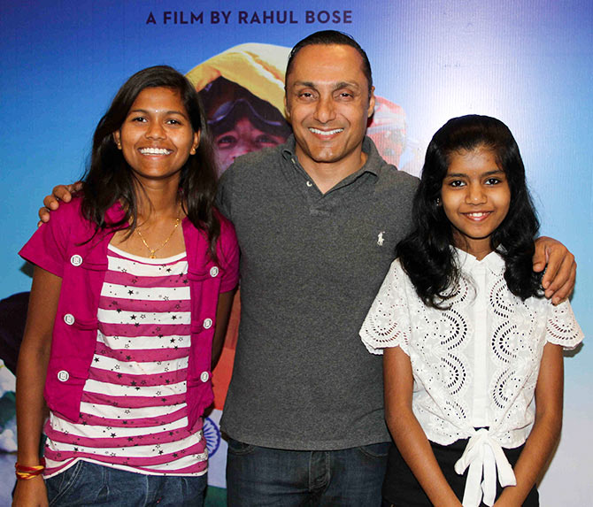 Current Bollywood News & Movies - Indian Movie Reviews, Hindi Music & Gossip - PIX: Rahul Bose screens Poorna for his filmi friends