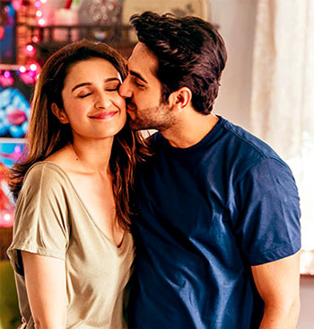 Current Bollywood News & Movies - Indian Movie Reviews, Hindi Music & Gossip - Review: Meri Pyaari Bindu relapses into stupidity