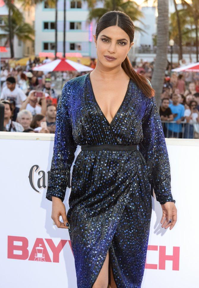 Baywatch premiere: Priyanka rubs shoulders with Pamela Anderson