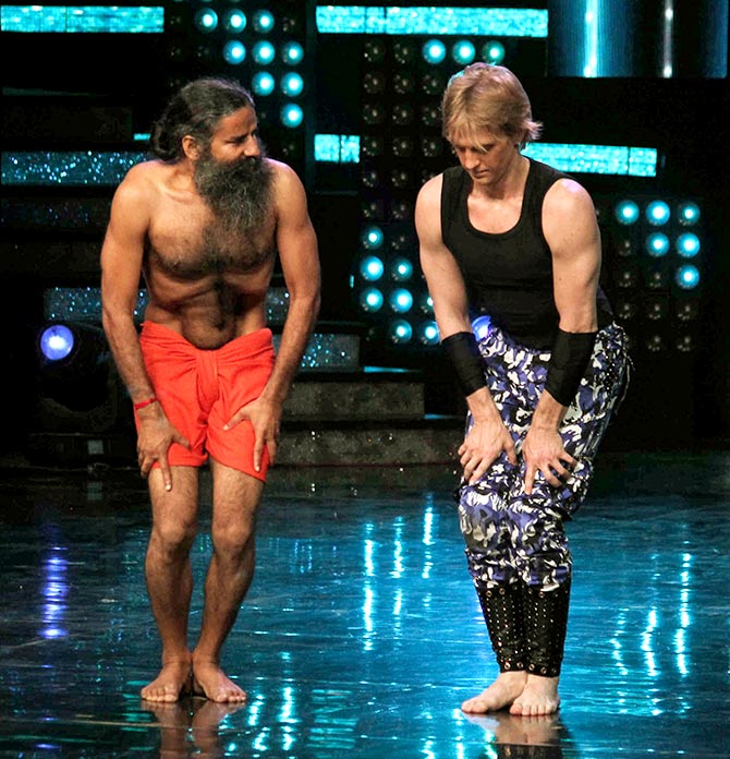 Current Bollywood News & Movies - Indian Movie Reviews, Hindi Music & Gossip - What's Baba Ramdev doing on Nach Baliye?!