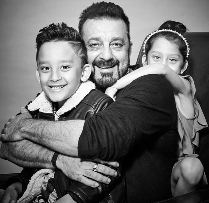 Current Bollywood News & Movies - Indian Movie Reviews, Hindi Music & Gossip - ADORABLE PIX: Sanjay Dutt with his twins