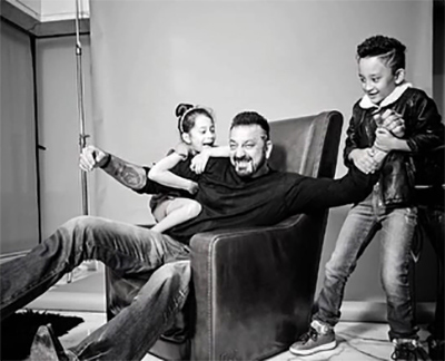 ADORABLE PIX: Sanjay Dutt with his twins - Rediff.com Movies