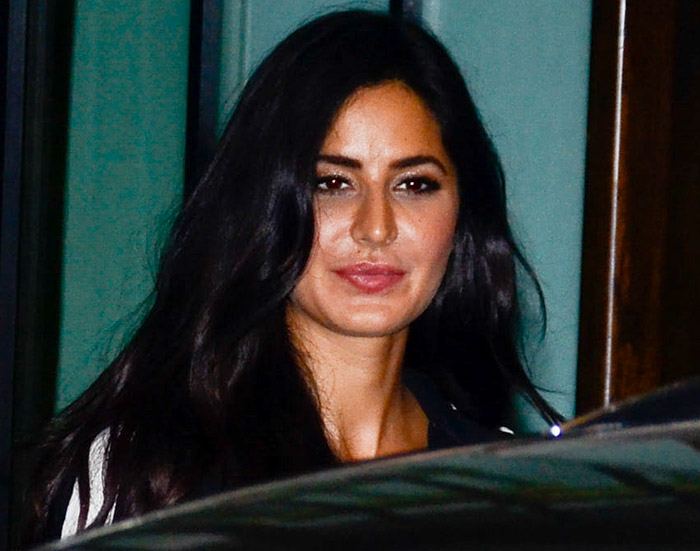Current Bollywood News & Movies - Indian Movie Reviews, Hindi Music & Gossip - PIX: Katrina, Iulia party with Salman Khan