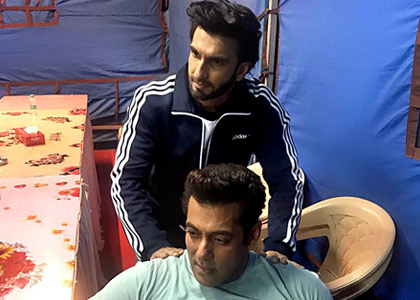 Current Bollywood News & Movies - Indian Movie Reviews, Hindi Music & Gossip - Ranveer meets Salman. Caption this picture!