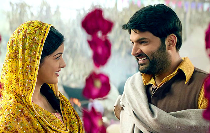 Current Bollywood News & Movies - Indian Movie Reviews, Hindi Music & Gossip - Firangi Review: Kapil Sharma is not funny at all