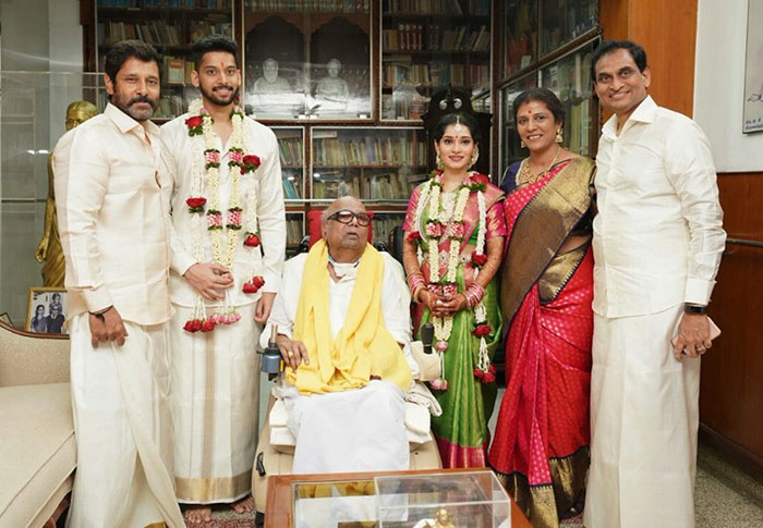 Current Bollywood News & Movies - Indian Movie Reviews, Hindi Music & Gossip - PIX: Vikram's daughter weds M Karunanidhi's great-grandson