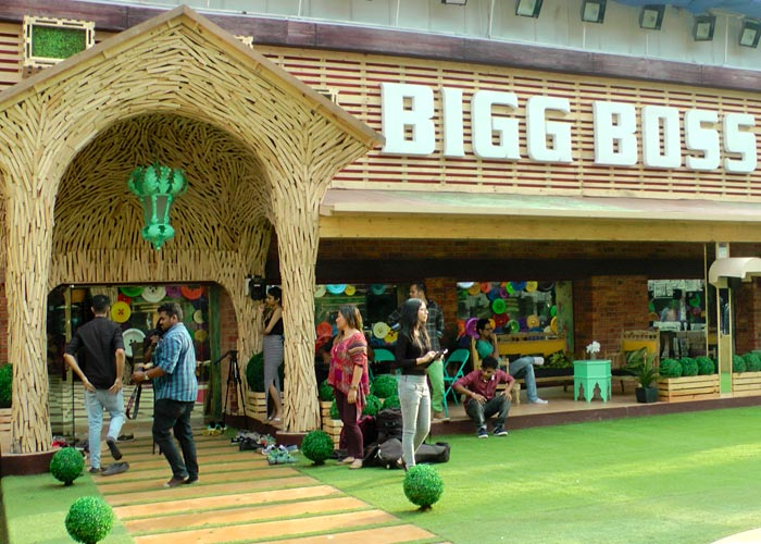 Current Bollywood News & Movies - Indian Movie Reviews, Hindi Music & Gossip - PHOTOS: Inside the Bigg Boss 11 house