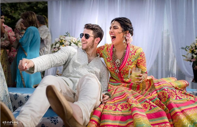 Current Bollywood News & Movies - Indian Movie Reviews, Hindi Music & Gossip - PIX: Priyanka, Nick's mehendi ceremony