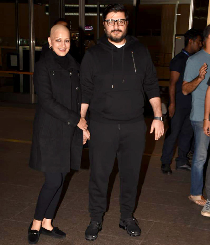 Current Bollywood News & Movies - Indian Movie Reviews, Hindi Music & Gossip - PIX: Sonali Bendre returns to Mumbai