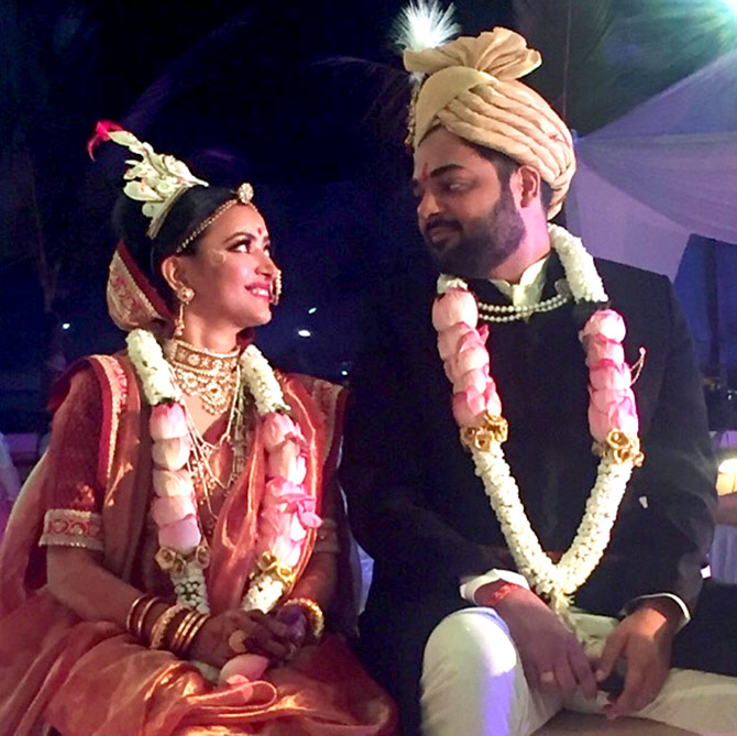 Current Bollywood News & Movies - Indian Movie Reviews, Hindi Music & Gossip - PIX: Shweta Basu Prasad weds