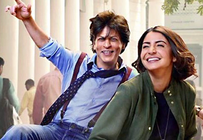 Zero Review: Shah Rukh Khan Stands Tall