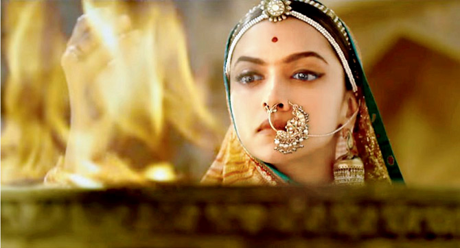 Current Bollywood News & Movies - Indian Movie Reviews, Hindi Music & Gossip - Padmaavat review: Nothing new to offer
