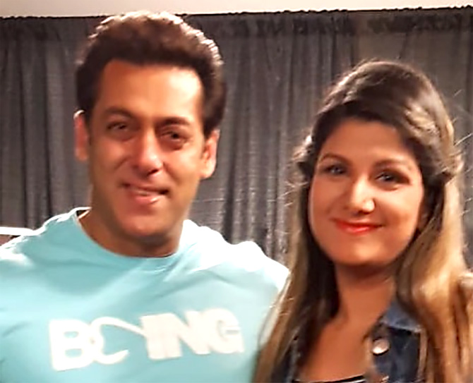 Current Bollywood News & Movies - Indian Movie Reviews, Hindi Music & Gossip - Salman meets his Judwaa co-star Rambha