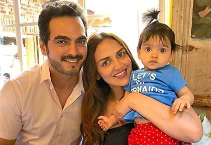 Current Bollywood News & Movies - Indian Movie Reviews, Hindi Music & Gossip - PIX: Meet Esha's adorable daughter Radhya