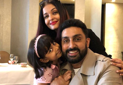 Current Bollywood News & Movies - Indian Movie Reviews, Hindi Music & Gossip - Aishwarya-Abhishek-Aaradhya holiday in Paris