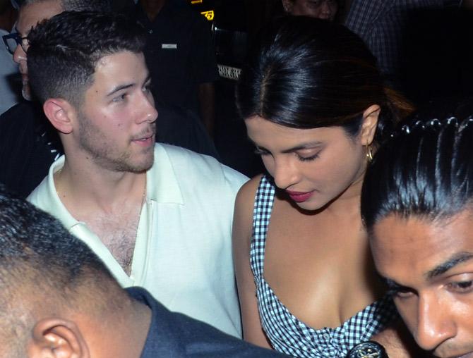 Pix Priyanka Nick Jonas Go Out On A Dinner Date Rediff