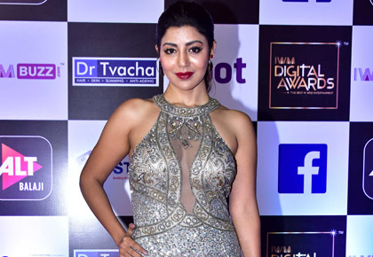 Current Bollywood News & Movies - Indian Movie Reviews, Hindi Music & Gossip - PIX: Debina, Ahana, Nusrat on the red carpet