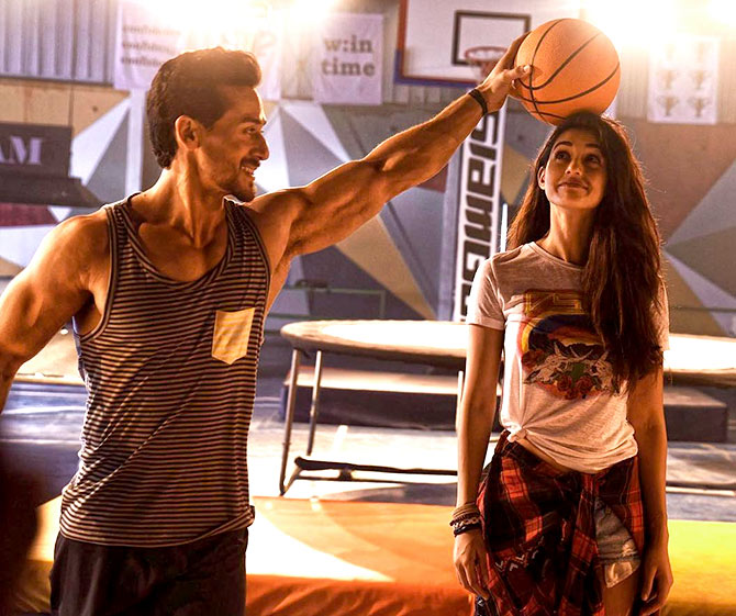 Baaghi 2 Review: What A Circus!