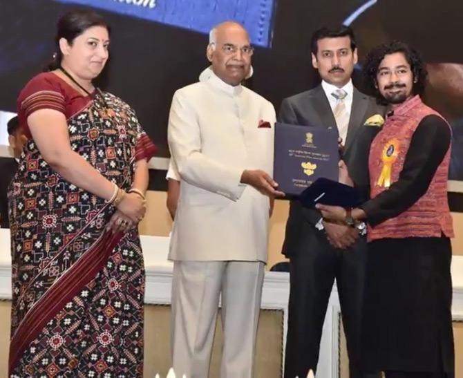 Image President Ram Nath Kovind Presents Riddhi Sen The Best Actor Award For Nagarkirtan Photograph Kind Courtesy Pib Twitter