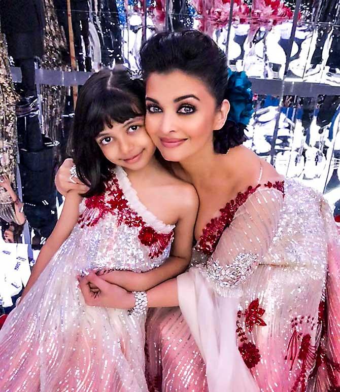 PIX: Stunning Aishwarya, Aaradhya! - Rediff.com movies