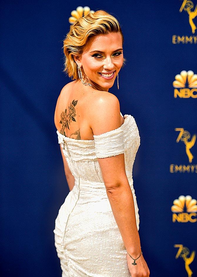 Emmys 2018 Scarlett Johansson Padma Lakshmi Look