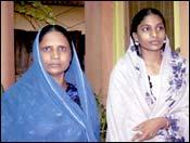 Zehraunissa Shaikh with mother. Photo: Deepak Salvi