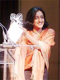 Vanita with her award