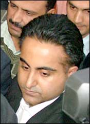 Avnish Bajaj, CEO of Bazee.com, being taken to Patiala House Courts in New Delhi on Saturday.