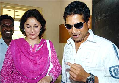 Cricketer Sachin Tendulkar with wife Anjali.