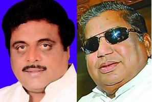 (Left) Ambareesh and Dharam Singh