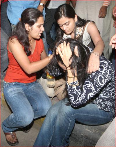 Delhi Bomb Blast Victims Live Photos - Delhi - Zimbio