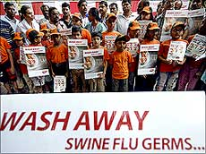 Pune weather conducive to swine flu virus' - Rediff.com India News