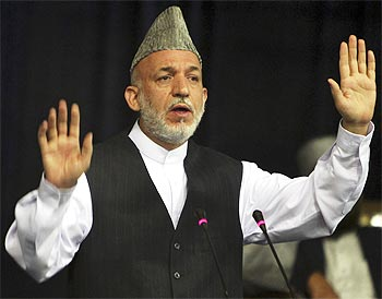 Observers feel President Hamid Karzai has an advantage.