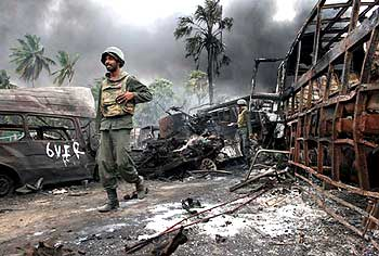 Lankan troops inside the war zone near the town of Mullaittivu.