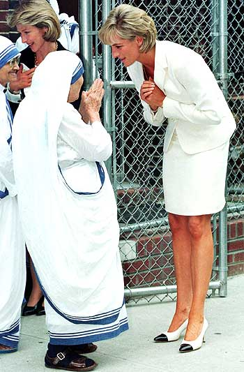 Mother Teresa with Diana in New York. File picture
