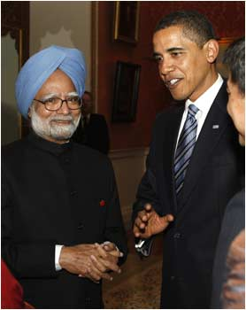 US President Barack Obama with Prime Minister Manmohan Singh during a reception