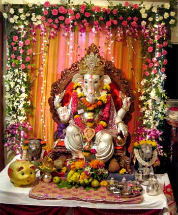 Ganesha pics from glasgow to yavatmal news for Decoration job in mumbai