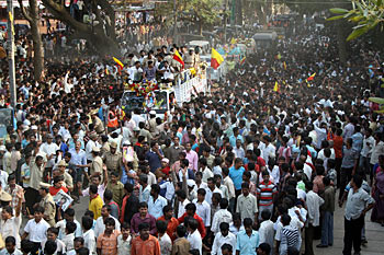 A view of the funeral procession of Dr Vishnuvardhan in Bengaluru