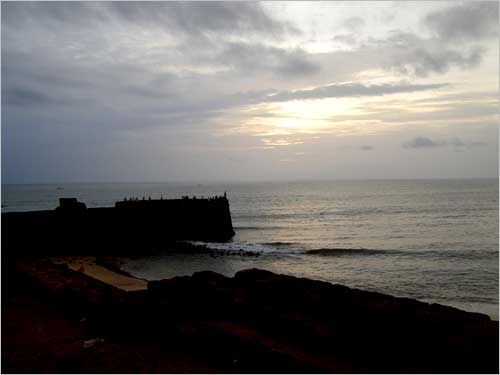 The sea, waves, clouds and the enchanting drizzle...  there is no better place than Goa for that special monsoon vacation!
