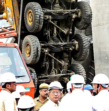 Delhi Metro chief E Sreedharan at the mishap site