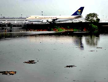 Water logging near the Mumbai airport